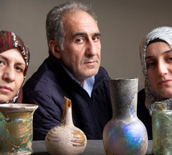 Syrian refugees and items of Syrian glassware
